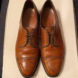 Allen Edmonds brown Oxford shoes size 10.5 A